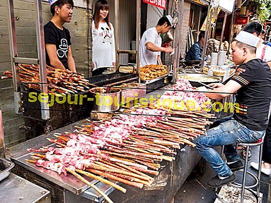 12 Makanan Jalanan Cina Yang Harus Anda Coba Setidaknya Sekali