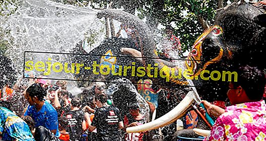 Songkran: Lễ hội té nước của Thái Lan