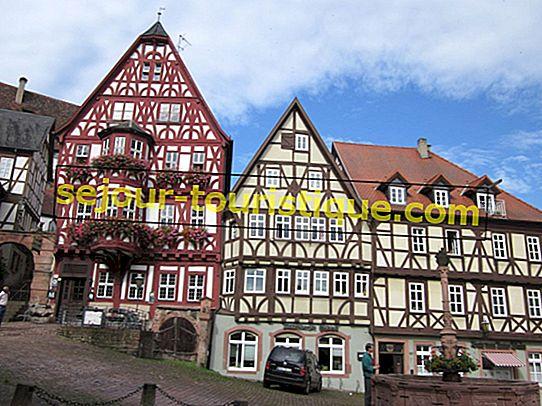 あなたが少なくとも一度は訪れる必要がある11のドイツのおとぎ話の村