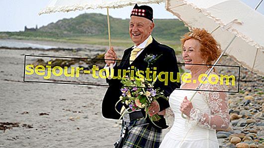 10 ประเพณีการแต่งงานแบบสก็อตที่โรแมนติกที่สุด