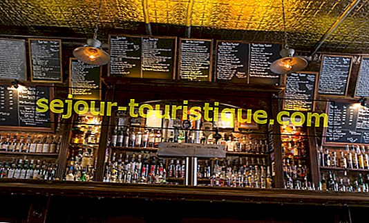 Top 10 Must-Try Whisky Bars in Manhattan, New York